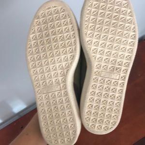 Puma Shoes - Like new